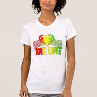 Un amor camiseta