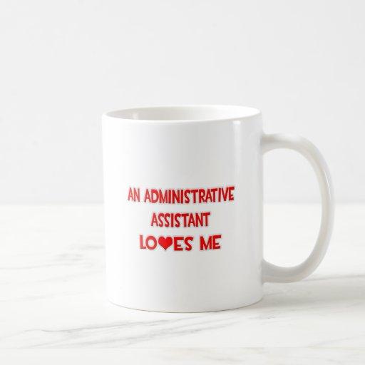 Un ayudante administrativo me ama taza de café