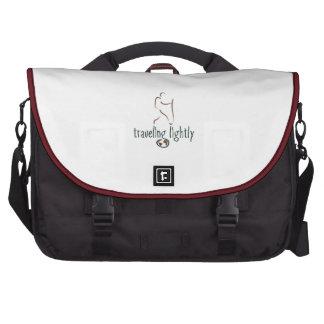 Un bolso para el viajero nómada en el corazón bolsas de portátil
