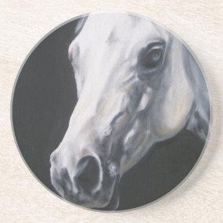 Un caballo blanco posavasos