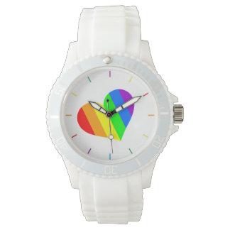 Un corazón en colores del arco iris reloj de pulsera