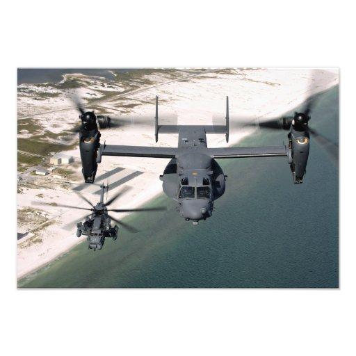 Un CV-22 Osprey y un MH-53 pavimentan punto bajo Foto