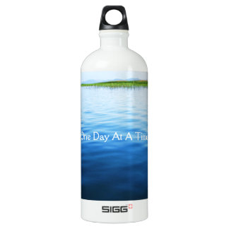 Un día a la vez botella de agua