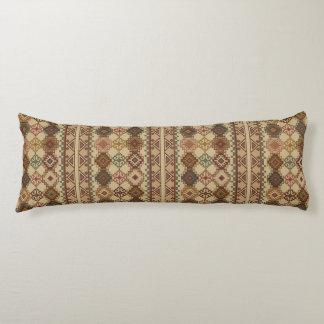Un diseño clásico de Kilim de la almohada hermosa