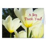 ¡Un grande le agradece! Flores amarillas blancas d Tarjetas