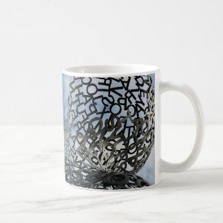 Un lío de letras tazas de café