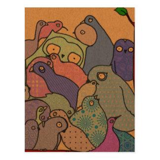 un manojo de pájaros en mosaico azul postal
