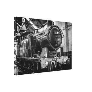 un motor de vapor 0-6-0 en la vertiente del manten impresion en lona