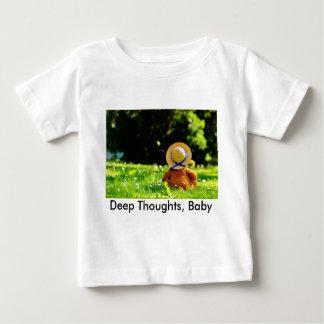 Un oso en pensamiento camiseta de bebé