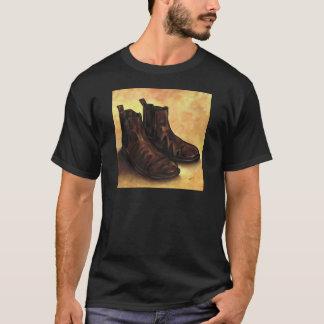 Un par de botas de Chelsea Camiseta