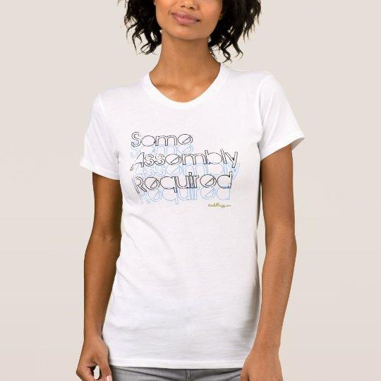 Un poco de camiseta requerida asamblea de la moda