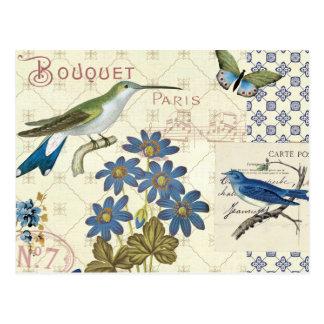 Un ramo de flores de pájaros y de mariposas azule