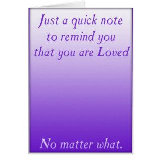 Un recordatorio rápido del amor (púrpura) tarjeta de felicitación