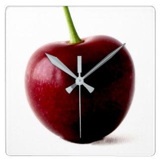 Un reloj de pared de la cereza dulce