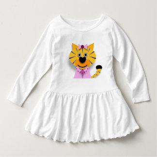Un tigre pequeño dulce vestido