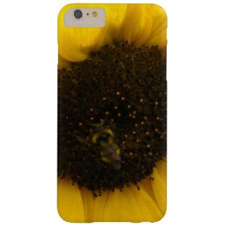 Una abeja ocupada funda barely there iPhone 6 plus
