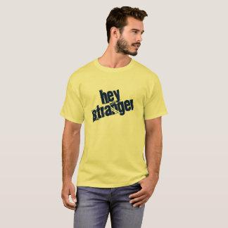 Una camisa ey más extraña