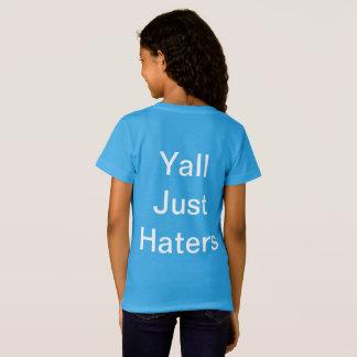 """Una camiseta con la """"causa que?"""" ¿y '' ISSA Wat?"""