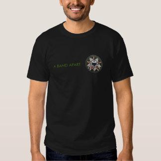 Una camiseta separada del logotipo de la banda