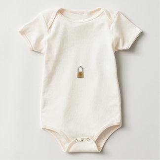 una cerradura de cobre amarillo body para bebé