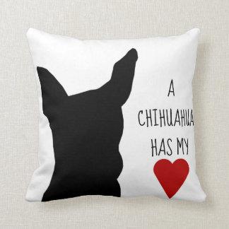 """""""Una chihuahua tiene almohada de mi corazón"""""""