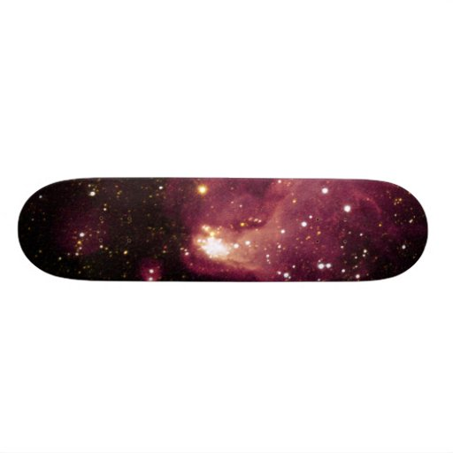 Una fábrica de la estrella gigante en la galaxia v patin personalizado