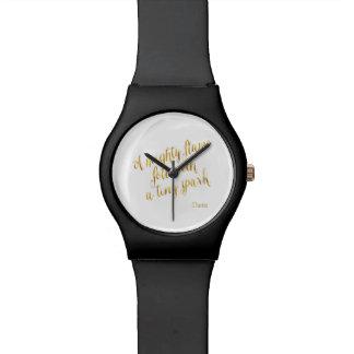 Una falsa plantilla de la hoja de oro de la llama relojes