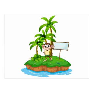 Una isla con un mono y un letrero postal