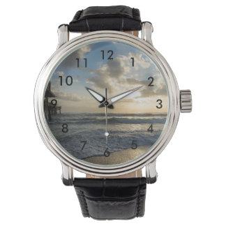 Una mañana gloriosa de la playa reloj