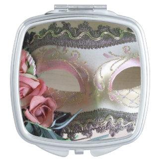 Una máscara decorativa del fiesta espejos maquillaje