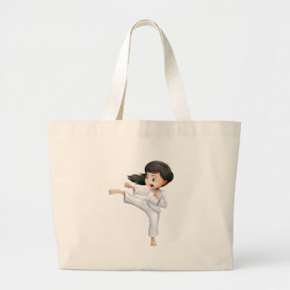 Una mujer joven que hace karate bolsas de mano