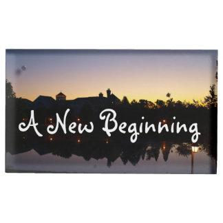 Una nueva frase del boda del principio con la foto soporte para tarjetas de mesa