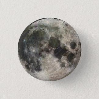 una pequeña luna chapa redonda de 2,5 cm