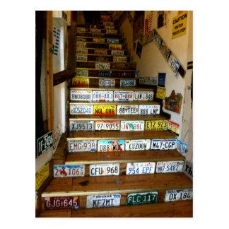 Una postal de las escaleras hechas con las placas
