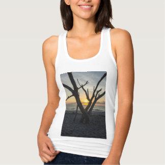 Una salida del sol de la locura camiseta