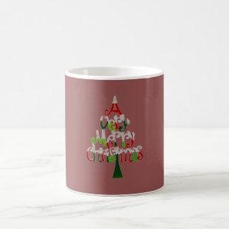Una taza de café muy feliz del árbol de navidad