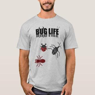 Una vida del insecto con el escarabajo, la hormiga camiseta