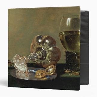 Una vida inmóvil con el vidrio de vino carpeta 3,8 cm