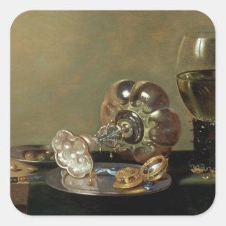 Una vida inmóvil con el vidrio de vino pegatina cuadrada