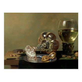 Una vida inmóvil con el vidrio de vino postal