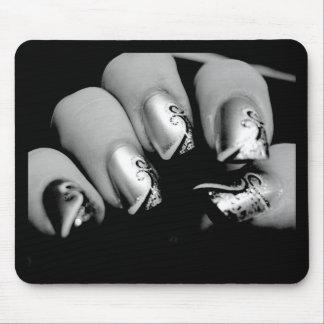 Uñas del diseñador alfombrilla de ratón
