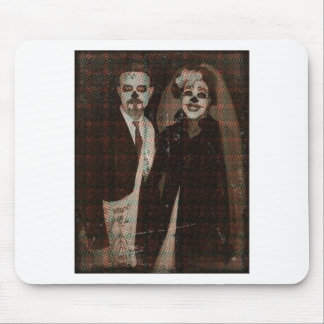 Undead Couple.jpg Alfombrilla De Ratón