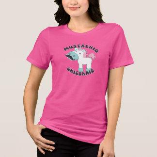 Unicornio con una camiseta del bigote