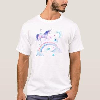 Unicornio de la acuarela sobre el arco iris camiseta