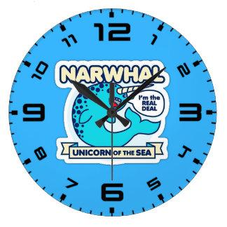 Unicornio de Narwhal del mar Reloj Redondo Grande