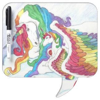 Unicornio hermoso y arco iris madre y bebé Pegaso Pizarra Blanca