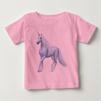 Unicornio mágico de la fantasía camisetas