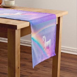 Unicornio y arco iris camino de mesa