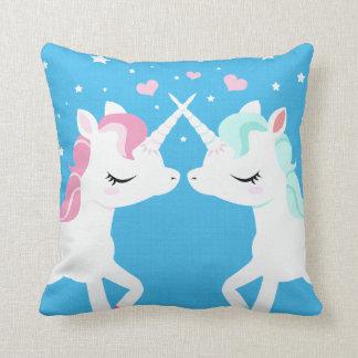 Unicornios en amor cojines