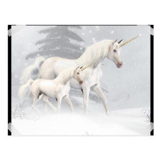 Unicornios lindos en la nieve 1 postal